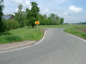 Foto der Wiese neben der Straße nach Berge.
