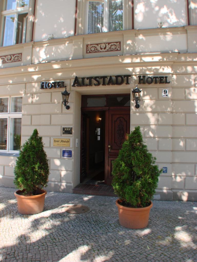 Hotel-Eingang 2