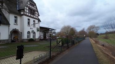 Bahnhof Netze, jetzt Restaurant mit Biergarten